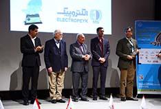 دریافت تندیس نقره ای تعالی ارتباطات بازاریابی و برندینگ توسط الکتروپیک