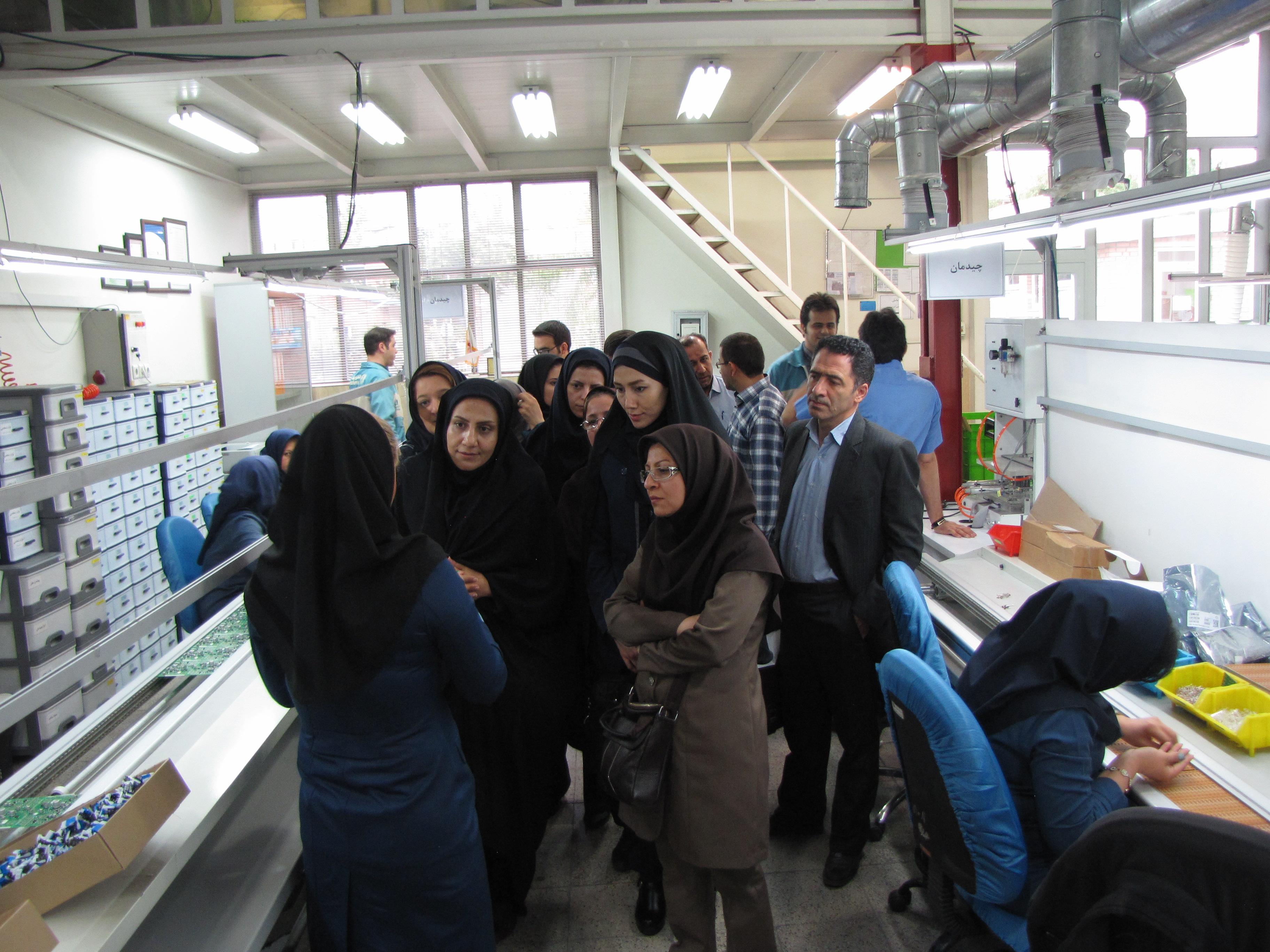 بازدید تعدادی از دبیران الکترونیک هنرستان های تهران از الکتروپیک